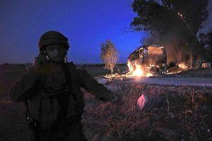 Đáp trả Hamas, Israel tấn công khoảng 150 mục tiêu quân sự ở Gaza