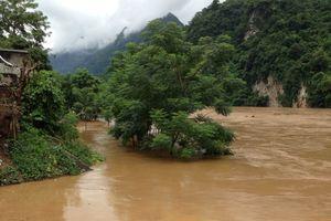 Thanh Hóa: Tiếp nhận 1 tỷ đồng ủng hộ đồng bào bị thiệt hại do mưa lũ