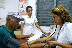 Cuba tăng cường hỗ trợ y tế cho Venezuela