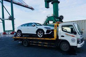 Bộ đôi 'siêu bò' Lamborghini Urus cập bến Việt Nam