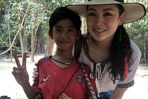 Cậu bé bán rong Campuchia 'gây bão' mạng với khả năng nói 10 thứ tiếng