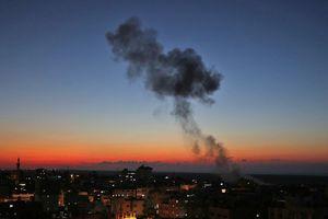 Israel đáp trả sau khi hứng 'mưa' tên lửa từ Gaza
