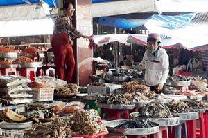 Dùng chất làm thuốc trừ sâu để bảo quản cá khô