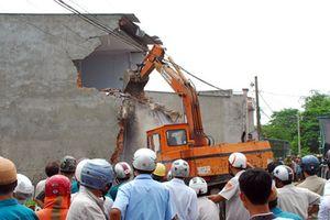 Kỷ luật nhiều cán bộ liên quan đến vi phạm trật tự xây dựng