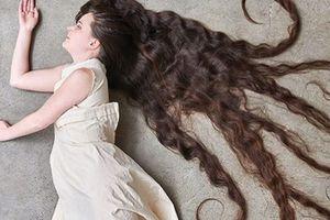 Tóc dài, đẹp đáng kinh ngạc dù 14 năm không gội đầu