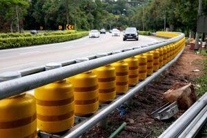 Singapore thí điểm hàng rào an toàn để giảm tai nạn giao thông