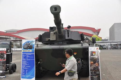 Indonesia giới thiệu xe tăng đáng mua hơn VT-4 của Trung Quốc
