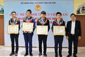 Tấm huy chương vàng trong mơ của đoàn học sinh Việt Nam
