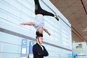 Quốc Cơ - Quốc Nghiệp tập luyện giữa sân bay, quyết tâm phá kỷ lục Guinness