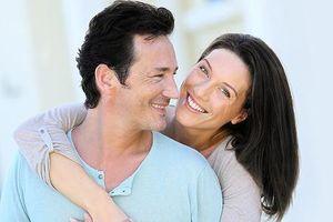 Rụng tóc, hói đầu: do thiếu dinh dưỡng trực tiếp cho tế bào mầm tóc