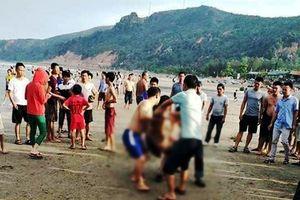 Phát hiện thi thể cô gái trẻ bên bờ biển ở Nghệ An