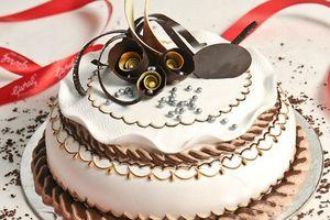 Mẹ khéo tay trổ tài làm bánh sinh nhật siêu yêu cho bé