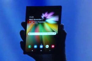 Samsung đã chuẩn bị tới 1 triệu đơn vị smartphone màn gập đợi ngày ra mắt