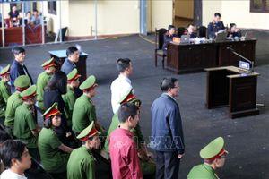 Những hình ảnh ngày thứ hai của phiên tòa xét xử 92 bị cáo trong vụ án đánh bạc nghìn tỷ