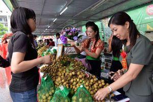 BẢN TIN TÀI CHÍNH-KINH DOANH: Nông sản Việt gặp nhiều bất lợi, xóa bỏ rào cản trì trệ về kinh doanh xăng dầu