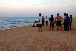 Phát hiện thi thể thiếu nữ 20 tuổi ở bờ biển Nghệ An