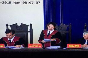 Xử vụ Phan Văn Vĩnh: Chủ tọa liên tục nhắc tác phong bị cáo
