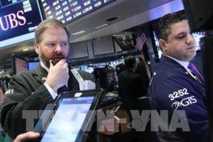 Cổ phiếu Apple trượt giá đẩy chứng khoán Âu-Mỹ đi xuống