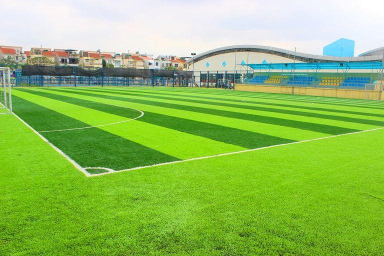 Quảng Ninh kêu gọi đầu tư sân bóng đá cỏ nhân tạo