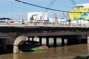 Cục Đăng kiểm thông tin lại về sà lan bị chìm ở Cần Thơ