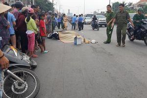 Hai xe máy va chạm, người phụ nữ bị xe buýt cán tử vong
