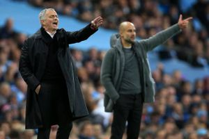 Chuyển nhượng 13/11: MU ra tối hậu thư cho HLV Mourinho