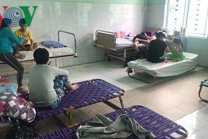Khánh Hòa: Dịch sốt xuất huyết tăng cao, bệnh nhân phải nằm giường xếp