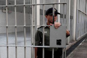Cận cảnh nhà tù '5 sao' nghiêm ngặt nhất Hồng Kông