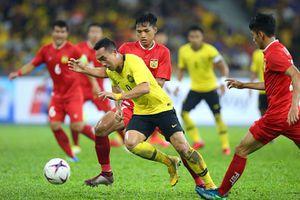 Lão tướng Talaha khen hàng thủ tuyển Việt Nam chơi tốt trước Lào