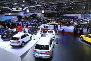 Đã nhập khẩu 11.300 xe ô tô nguyên chiếc trong tháng 10