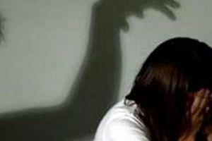 Thiếu nữ 15 tuổi bị thanh niên dụ dỗ quan hệ tình dục nhiều lần