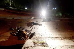 Hai xe máy va chạm trong đêm, ba người tử vong