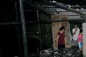 Bé gái mắc bệnh bại não tử vong khi nhà bị cháy