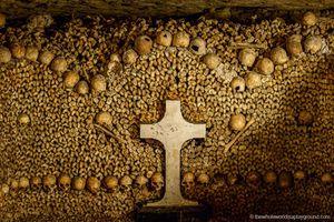 Bí mật khủng khiếp dưới hầm mộ có 6 triệu bộ hài cốt