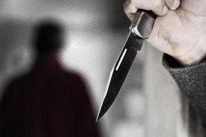 Nam thanh niên bị người yêu đồng tính kề dao vào cổ, cướp xe máy sau khi quan hệ