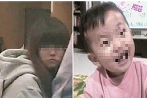 Xót xa cảnh bé 2 tuổi bị bỏ đói đến chết trong nhà vệ sinh vì mẹ bận đi chơi với bạn trai
