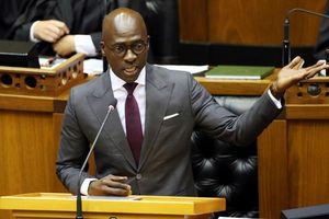 Lộ clip 'nóng', bộ trưởng nội vụ Nam Phi từ chức