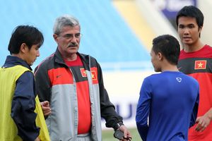 Thế hệ vàng AFF Cup 2008 tái ngộ thầy Calisto