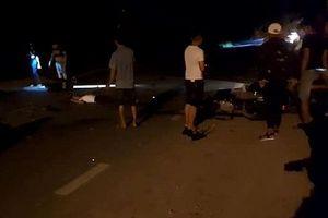 Hai xe máy đấu đầu, 3 thanh niên tử vong