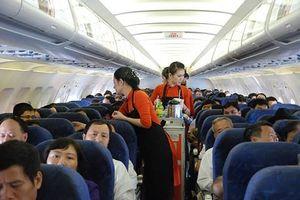 Hành khách Mỹ bỏ quên ba lô tiền trên máy bay tới TPHCM
