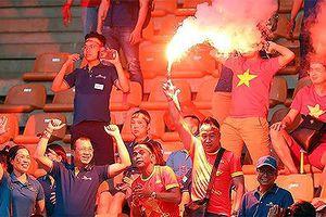 Siết chặt an ninh, chống pháo sáng trận Việt Nam - Malaysia ở AFF Cup