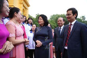 Phó Chủ tịch nước tiếp 48 gương giáo viên dạy trẻ khuyết tật