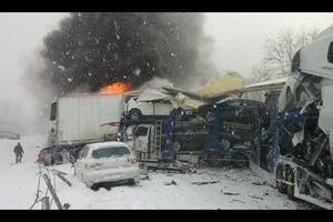 Kinh hoàng 15 ô tô đâm liên hoàn, nổ tung trên đường cao tốc