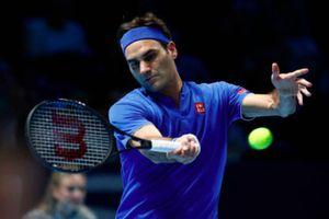 Roger Federer có chiến thắng đầu tiên ở ATP Finals 2018