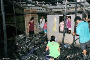 Căn nhà bất ngờ bốc cháy lúc chồng đi đón vợ, con gái 11 tuổi mắc bệnh bại não tử vong thương tâm
