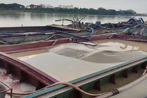 Thanh Hóa: Bắt 3 tàu khai thác cát trái phép, phạt 112 triệu đồng