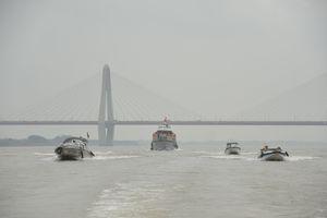 Ra quân đảm bảo an toàn giao thông trên sông Hồng