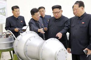 Hạt nhân Triều Tiên: Trump lừa dối chính mình, Kim Jong Un giữ lời hứa