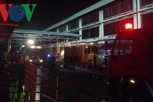 Khống chế đám cháy lớn tại Khu công nghiệp Tân Hương