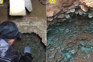 Phát hiện 100.000 đồng xu cổ, nặng gần nửa tấn bị chôn vùi dưới đất